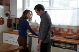 THE AMERICANS -- Trust Me -- Episode 6 (Airs Wednesday, March 6, 10:00 pm e/p) -- Pictured: (L-R) Keri Russell as Elizabeth Jennings, Matthew Rhys as Philip Jennings -- CR: Craig Blankenhorn/FX
