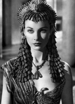 Vivien Leigh in Caesar and Cleopatra (1945) 2
