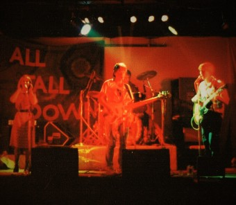 afd-playing-support-at-gladstone-22-april-1986-photo-jonathan-hall-copy