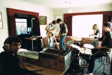 home-recording-session-with-damian-zelas-home-built-mixer-sept-1984-photo-by-henry-zelas