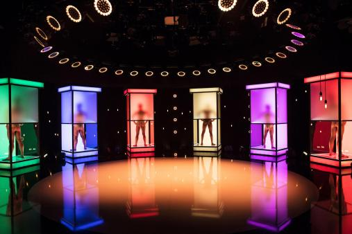 -naked-attraction-startet-am-8-mai-auf-rtl2-